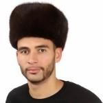 Коричневая мужская шапка из ондатры