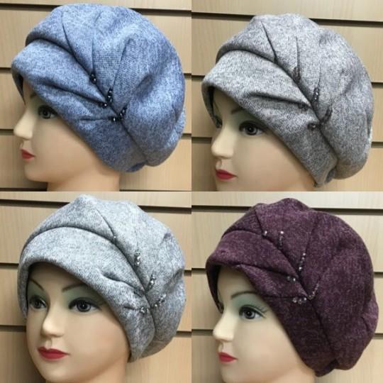 Женская осенняя шапка