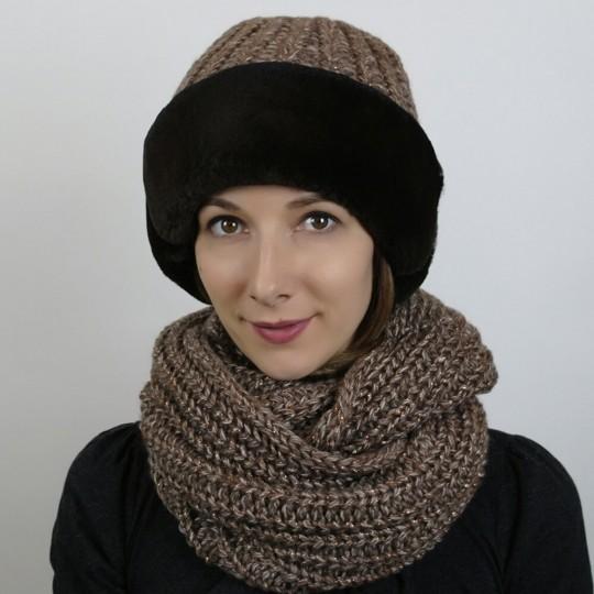 Шапка и шарф и кролика