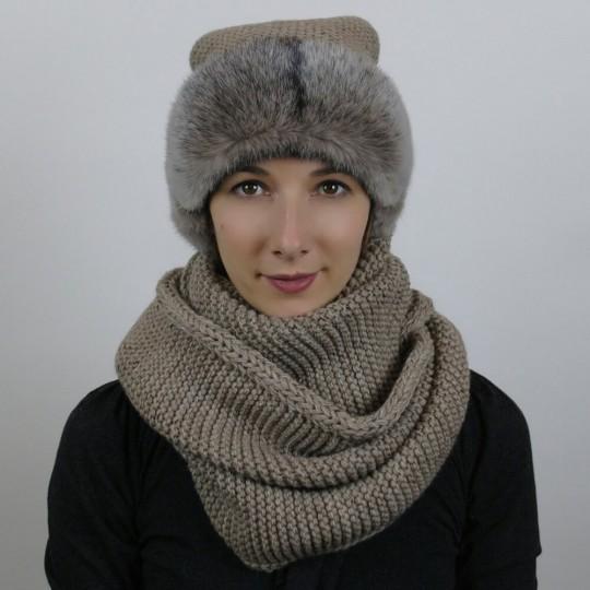 Шапка и шарф и норки