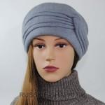 Весенняя шапка для женщин